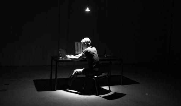 hacker_in_warehouse